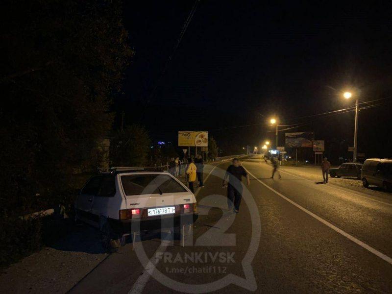 На Прикарпатті водій напідпитку збив електроопори (ФОТО)