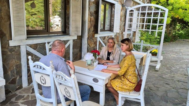 """На Пасічній у Франківську виявили """"тіньових"""" працівників у ресторанному бізнесі (ФОТО)"""
